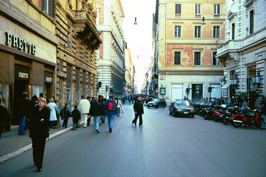 Via del corso rome tourist attractions sightseeing for Mac roma via del corso
