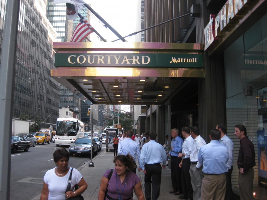 Restaurants Close To Courtyard New York Manhattan Fifth Avenue